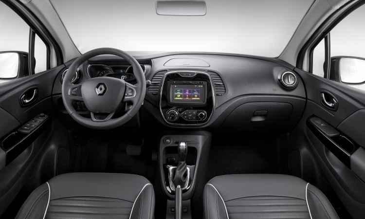 Interior abusa do plástico, o que reduz a sofisticação - Renault/Divulgação