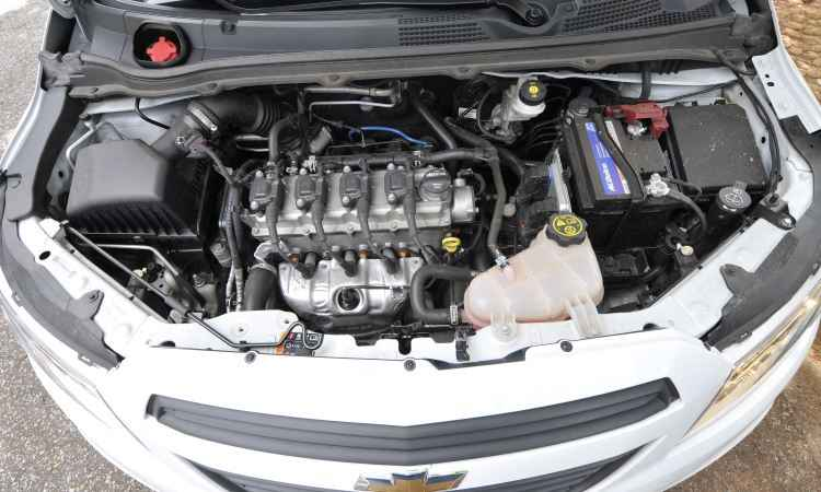O velho motor 1.0 quatro-cilindros foi retrabalhado para entregar melhor consumo e desempenho - Juarez Rodrigues/EM/D.A Press