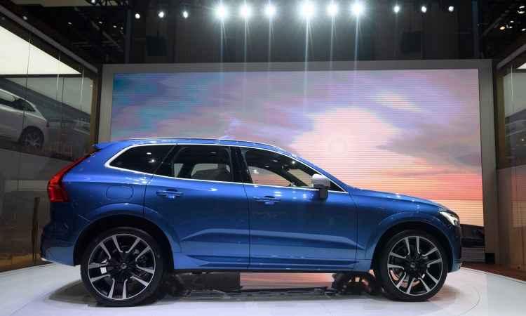 A Volvo apresenta o novo XC60 com visual mais moderno e ampla gama de motores, além de muita tecnologia para garantir uma condução segura - Fabrice Coffrini/AFP
