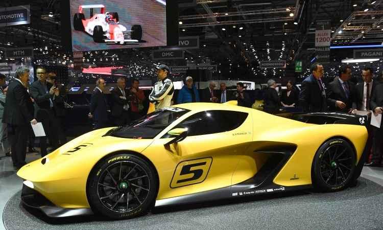 O EF7 Vision Gran Turismo, apresentado pelo piloto Emerson Fittipaldi, foi desenhado pelo estúdio Pininfarina e conta com motor V8 de 600cv - Fabrice Coffrini/AFP