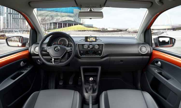 Novo painel e volante mudam o interior do up! - Volkswagen/Divulgação