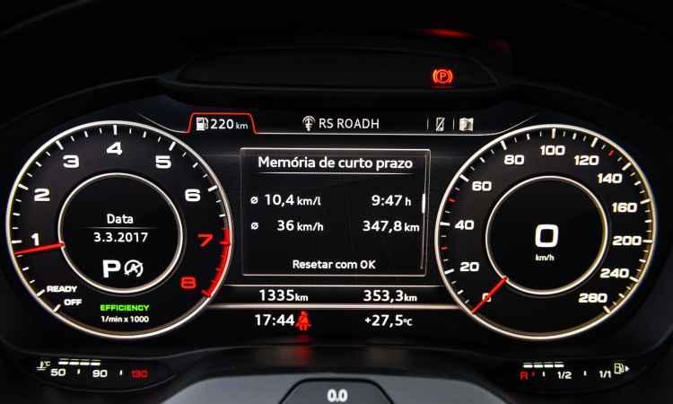 O motorista tem todas as informações bem à sua frente, com instrumentos digitais - Audi/Divulgação