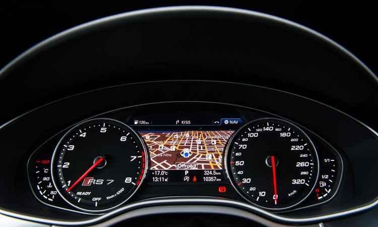 O motorista tem o mapa do sistema de navegação bem à sua frente e pode ampliá-lo - Audi/Divulgação