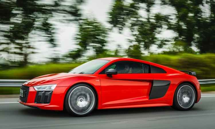 Modelo tem linhas fluidas e aerodinâmicas, que favorecem ainda mais o desempenho - Audi/Divulgação