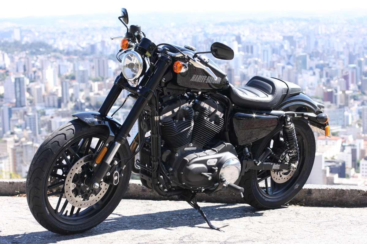 A Harley-Davidson Roadster 1200 é a nova integrante da família Sportster da centenária  marca americana