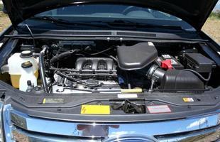 Motor de seis cilindros que o crossover atingir a velocidade máxima de 180 km/h
