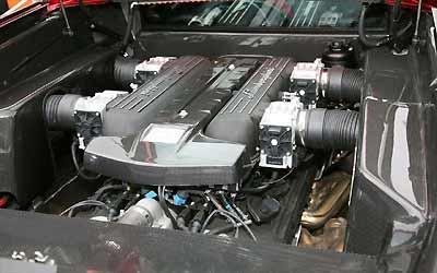 O motor V12 6.5 pode receber até 760 cv