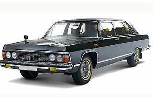 Chaika 14, limusine com motor V8 e mais de 220 cv de potência