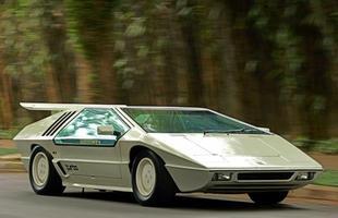 O motor inicial era o AP 1.8 com 140 cv, que o levava a 195 km/h. Mas em 1988 o esportivo recebeu o AP 2.0 turbo de 210 cv, o suficiente para uma velocidade máxima de 230 km/h