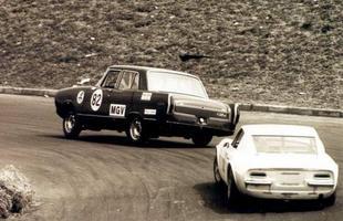 Outros carros como o Simca Esplanada GTX de Kid Cabeleira levaram a multidão ao delírio