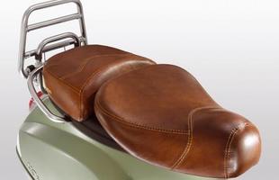 Assentos revestidos em couro dão um toque clássico