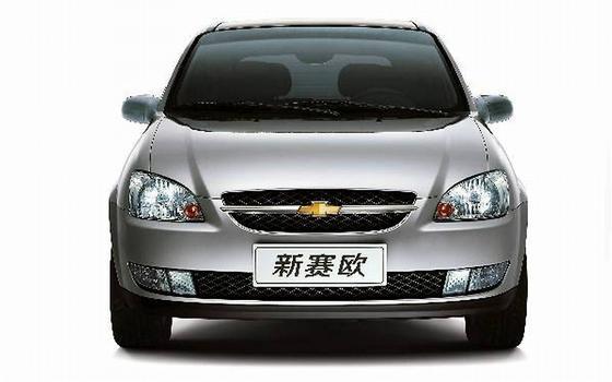 O Chevrolet Sail nada mais era do que a versão remodelada da geração anterior do Corsa, fabricada no Brasil desde 1994