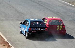 Eduardo Campos, nº 39. Campos chegou a ser advertido com um 'Stop and Go' ainda na primeira bateria por tentar forçar uma ultrapassagem e abalroar o carro de Leo Mallaco (74)