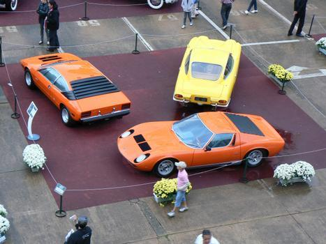 Lamborghinis Miura 1969 (C), Urraco 1976 (E) e 400 GT 2+2 1967