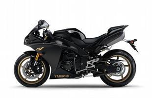 Preto emagrece - a Yamaha traz a moto apenas na cor preta, por R$ 64.218