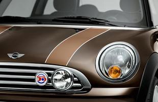 Versão especial comemora os 50 anos do Mini