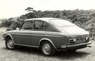 O TL é um carro com interior simples, mas de muito bom gosto para a época