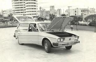 Variant 1981 exibe porta-malas na frente e motor atrás, mas sobre ele ainda havia mais espaço para objetos