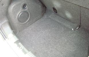 Subwoofer e som Hi-fi estão na lista de opcionais e vale a pena para quem preza um som limpo e de ótima qualidade