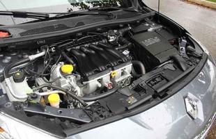 O 2.0 16V do Fluence entrega 140/143 cv a 6.000rpm e torques de 19,9/20,3kgfm (etanol) a 3.750rpm