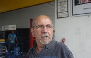 'Nada'  Renaldo Vieira,   taxista, proprietário de um Fiat Siena 2005