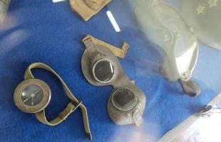 Óculos de segurança usados pelos militares