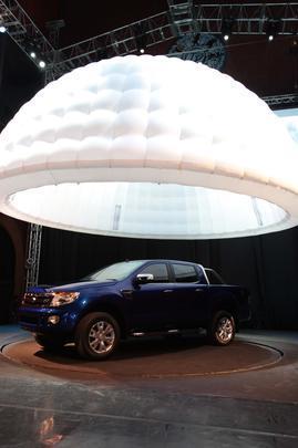 Protótipo apresentado no Salão de Buenos Aires revela as novas linhas da picape, que promete chegar recheada de tecnologia e com eficiente motor a diesel compacto