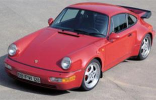 O 964 de 1989 ganhou mais tecnologia, como tração integral e câmbio automático sequencial