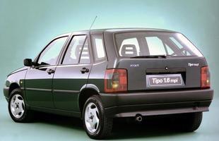 2010 - Ao TSE, Dilma declara ter um Fiat Tipo 1996 de R$ 30 mil. Michel Temer declarou um Audi A6 2003 de R$ 282 mil, ambos completamente fora da realidade comercial
