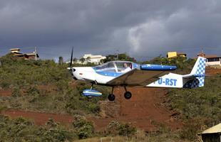 Mineiro constrói próprio avião em Contagem e ganha registro na Anac
