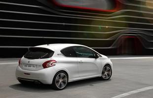 Peugeot divulga fotos do 208 GTi
