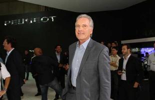 Roberto Justos no estande da Peugeot