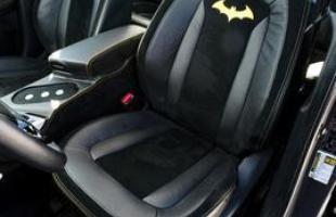 Kia Optima Batman -  Marca  preparou versões de cinco modelos inspiradas na Liga da Justiça