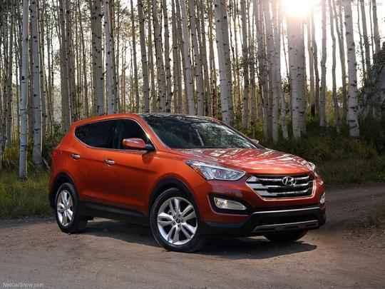 Mostrado oficialmente pela primeira vez no Salão de Nova York, em abril deste ano, o novo Hyundai Santa Fe só chegou ao mercado norte-americano no segundo semestre de 2012