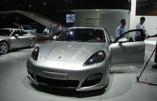 Porsche Panamera é um cupê de gosto duvidoso