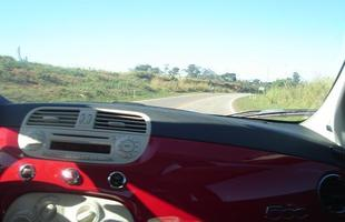 Sistema de estabilidade aliado à direção ajuda o carro a ser ótimo nas curvas