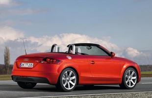 Roadster conta com motor 2.0 turbo