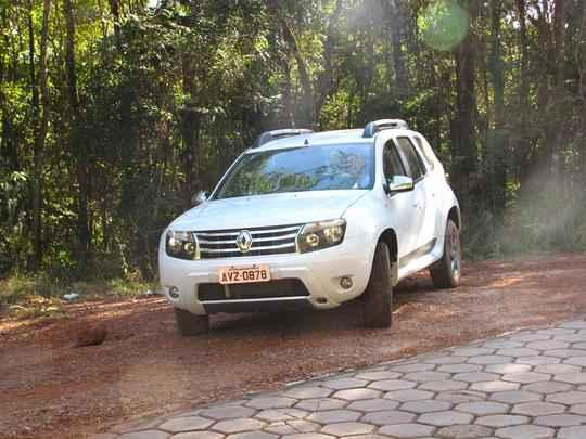 Na Mira do Vrum: Renault Duster 2.0, por Juliana Sodré