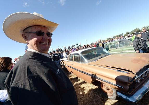 Mais de 500 carros foram guardados desde a década de 40 por dono de concessionária Chevrolet