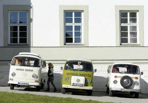 Dezenas de pessoas foram até a abadia de Schaeftlarn, próximo de Munique, participar de um encontro