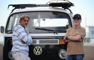 Americanos hippies mantém a Kombi no coração