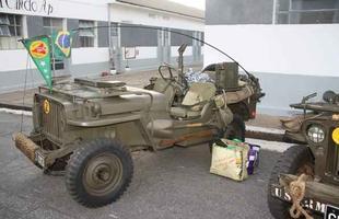 comboio com 85 veículos militares de época viajou para lembrar os 70 anos do embarque da Força Expedicionária Brasileira (FEB) para a Itália