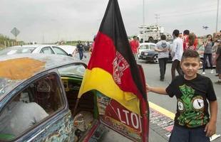 Milhares de pessoas em Monterrey, no México, comemoraram o Dia Mundial do Fusca
