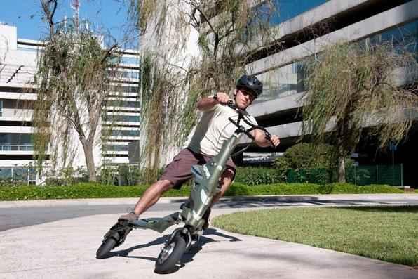 Triciclo elétrico Mopar Trikke