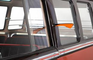 Volkswagen Kombi 1955 foi vendida em um leilão na Europa por 190 mil euros