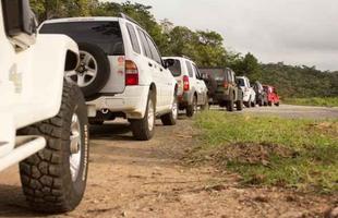 Grupo percorre o interior mineiro levando doações para famílias que vivem em regiões de difícil acesso