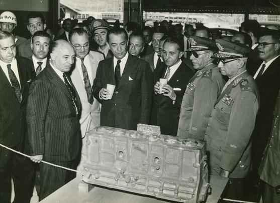 Inauguração da fábrica da GM do Brasil, em São Jose dos Campos, em 1959, com a presença do então presidente da República, Juscelino Kubitschek