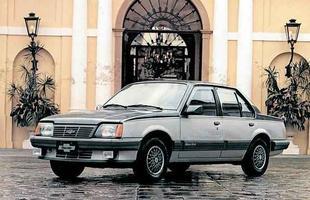 Chevrolet Monza Classic lançado em 1986