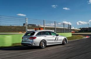 Mercedes-Benz C63 S AMG Estate F1 Medical Car - 2015