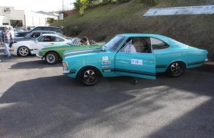Encontro de carros antigos no bairro Olhos D'Água, em BH
